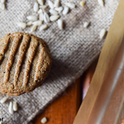 "3-Ingredient Paleo ""Peanut Butter"" Cookies"