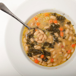 30-Minute Tuscan White Bean Soup