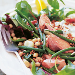 A Salad of Salmon, Beans and Crunch