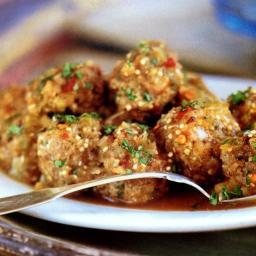 Albondigas en Salsa Verde (Meatballs in Spicy Tomatillo Sauce)