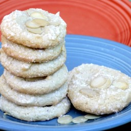 Amaretti {Italian Macaron Cookies}