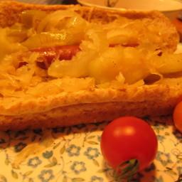 Apple-Kraut and Bratwurst Skillet
