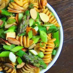 Asparagus Pasta Salad with Creamy Peanut Dressing