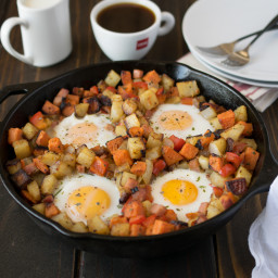 Baked breakfast potatoes with eggs