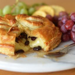 Baked Brie en Croûte with Honey, Dried Cherries, Pecans & Rosemary