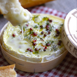 Baked Camembert with Garlic, Thyme and Maple Syrup