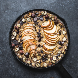 Baked Pear, Chocolate and Hazelnut Oatmeal {Vegan, GF}