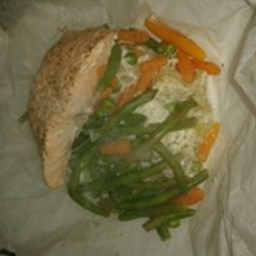 Baked salmon in a bag