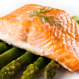 Baked salmon with asparagus and roasted beets