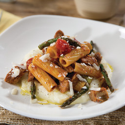 Barilla Rigatoni with Barbeque Ribs & Grilled Asparagus