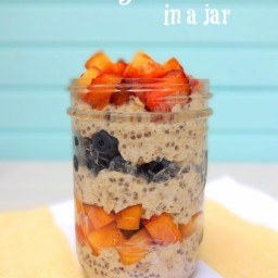Berry Peachy Overnight Oats