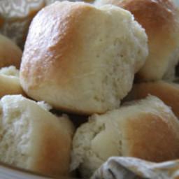 Big Fluffy Pan Dinner Rolls