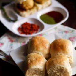 bombay pav recipe - bombay laadi pav bread recipe