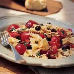 Bowtie pasta with cherry tomatoes, capers and basil