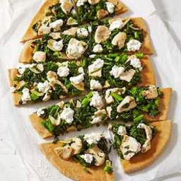 Broccoli Rabe and Chicken White Pizza