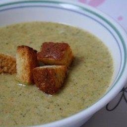 Broccoli Soup with Homemade Croutons