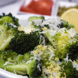 Broccoli with Garlic And Parmesan Cheese