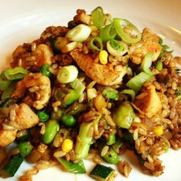 Brown Fried Rice with Chicken and Vegetables