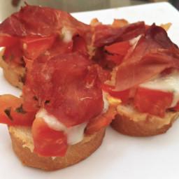Bruschetta with Mozzerella & Prosciutto