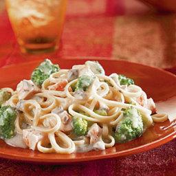 Campbell's® Chicken  and  Broccoli Alfredo