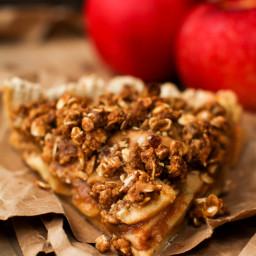 Caramel Apple Crumble Pie