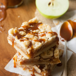 Caramel Apple Shortbread Crumble Bars