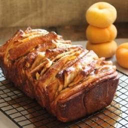 Caramelized Peach Pull-Apart Bread