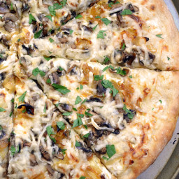 caramelized onion  and  mushroom white pizza