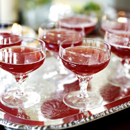 Carla's Cranberry-Ginger Spritzer
