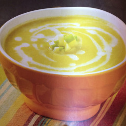 Celery root and leek soup with green apple