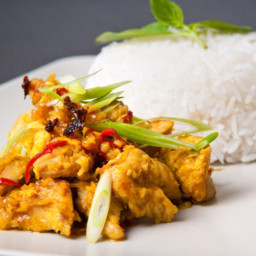 Chicken in Thick Coconut Curry: Kori Gashi