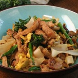 Chicken Stir-Fry with Rice Noodles