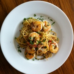 Chilli prawn pasta with garlic and ginger
