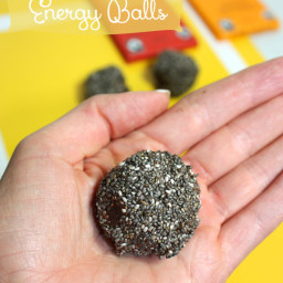 Chocolate and Chia Energy Balls