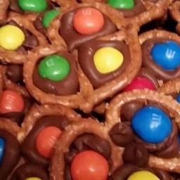 Chocolate Pretzel Treats