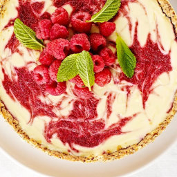 Christmas Berry Swirl Cheesecake