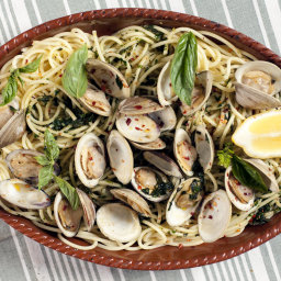 Clam Pasta With Basil and Hot Pepper