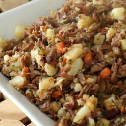 Classic Corned Beef Hash with Potatoes and Carrots