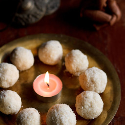 coconut ladoos recipe - makes 10-12 small ladoos