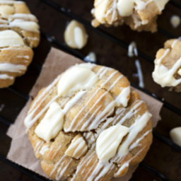 Coconut Oil White Chocolate Macadamia Nut Cookies