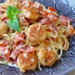 Creamy Garlic Scallop Spaghetti with Bacon