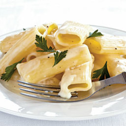 Creamy Rigatoni with Gruyère and Brie