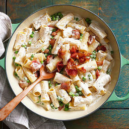 Creamy Stove-Top Alfredo with Bacon and Peas