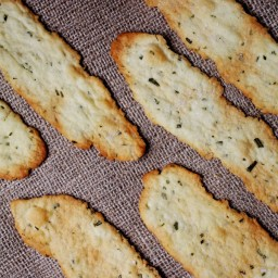 Crisp Rosemary Flatbread Crackers