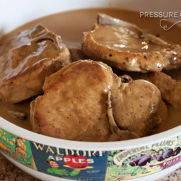 Easy Pork Chops in Mushroom Gravy
