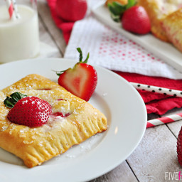 Easy Strawberry Cream Cheese Pastries