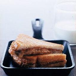 Elvis Presley's Hot Peanut Butter and Banana Sandwich
