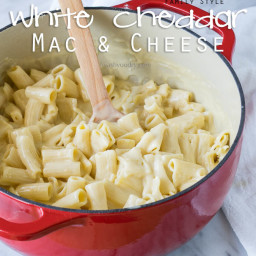 Family Style White Cheddar Mac and Cheese