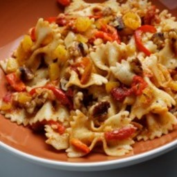 Farfalle With Squash and Red Peppers