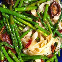 Fettucine Asparagus with Shiitake and Smoked Bacon